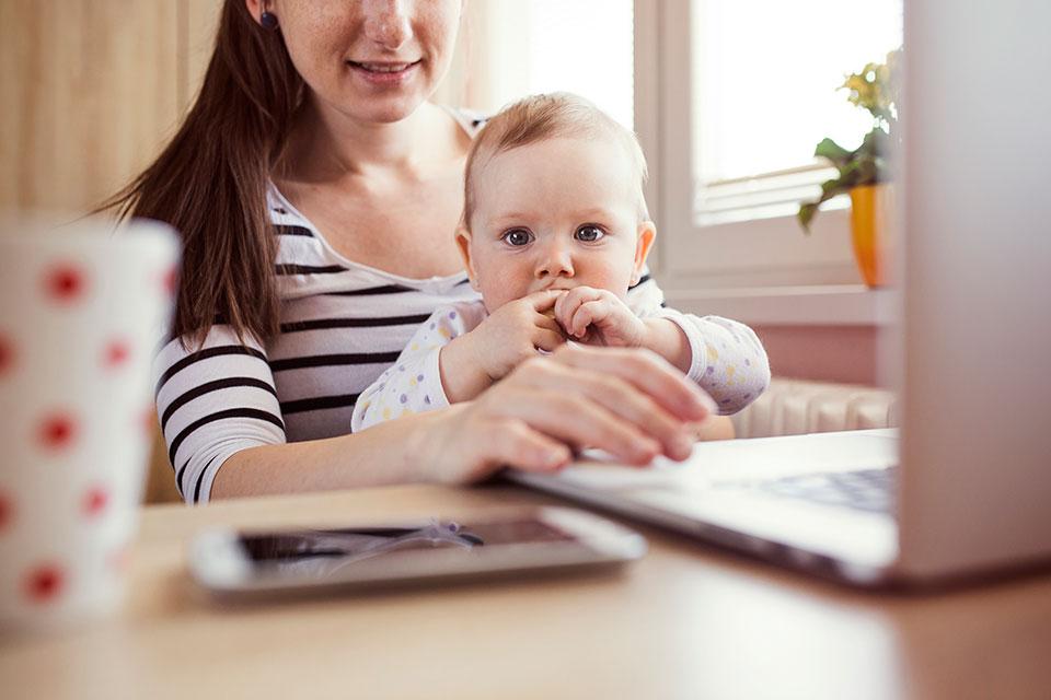 7 Способов, как заработать сидя дома в декрете?